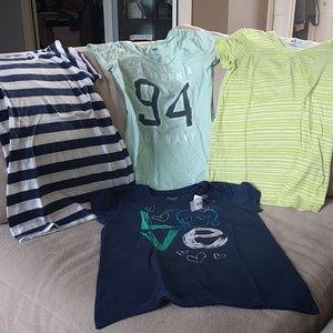 4 Old Navy Girls tshirts size Large (10/12)